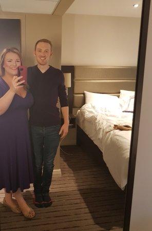 Premier Inn London Hanger Lane Hotel: We didn't realise we were wearing premier inn colours at Premier Inn Hanger lane :-)