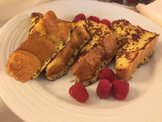 The Chase Park Plaza Royal Sonesta St. Louis: Room Service- Brioche French Toast $11.