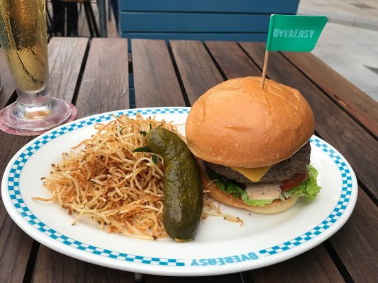 An American style diner in Singapore?