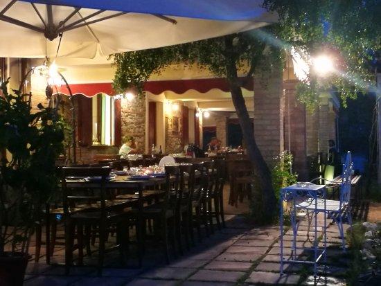 Monte Colombo, Italië: IMG_20170901_200652_large.jpg