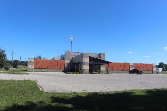 Simcoe, Canada: White Horse Bowling And Mini Putt