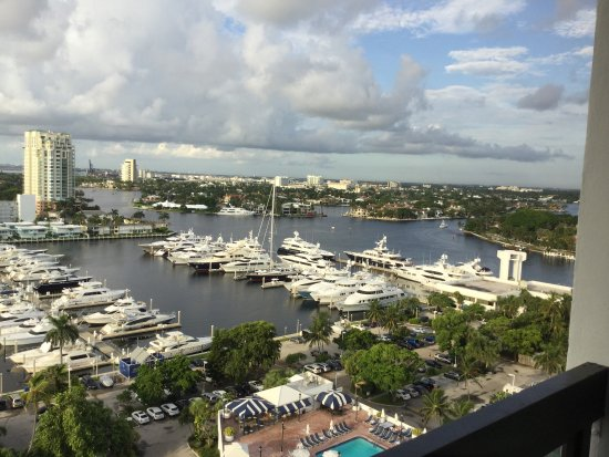 Bahia Mar Fort Lauderdale Beach - a Doubletree by Hilton Hotel: View from tower room.