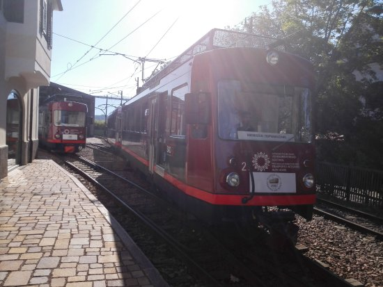 Collalbo, Włochy: Il trenino arriva in stazione