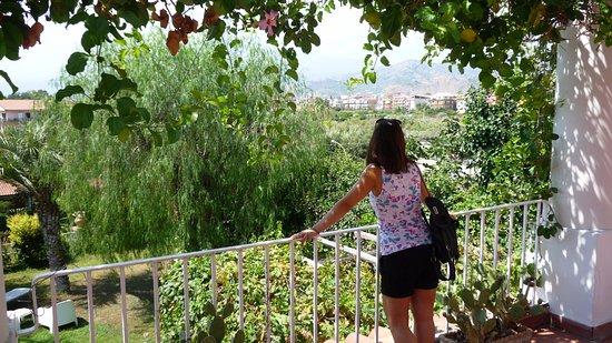 B&B Villa Accademia: bellissima visuale etna mentre si fa colazione