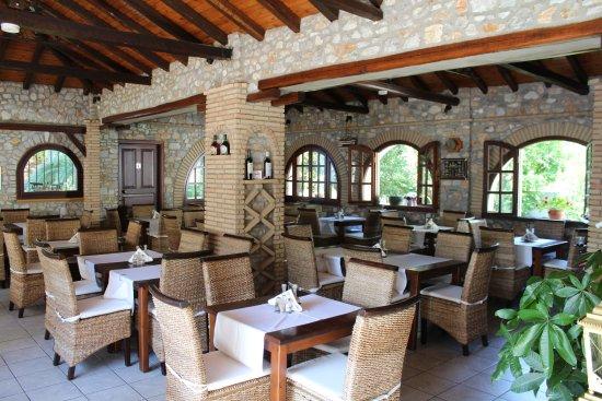 Green Park: Binnen restaurant