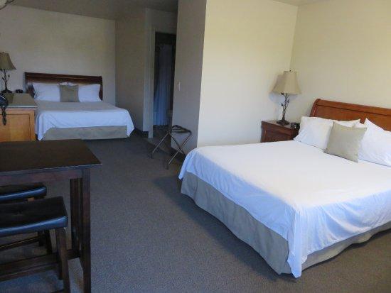 Chalet Motel: Love the L-shaped floor plan