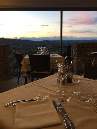Castiglione Falletto, Italia: Terrazza panoramica