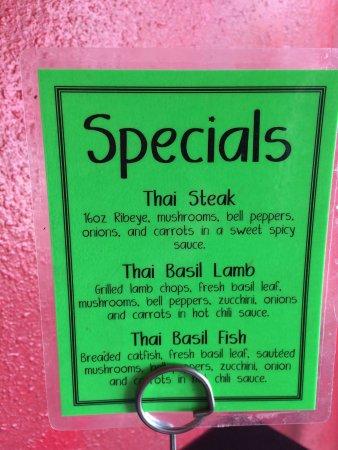 Anong 39 s thai cuisine rawlins restaurantbeoordelingen for Anong thai cuisine