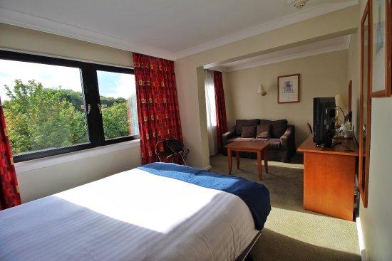 Holiday Inn Edinburgh City - West: photo1.jpg