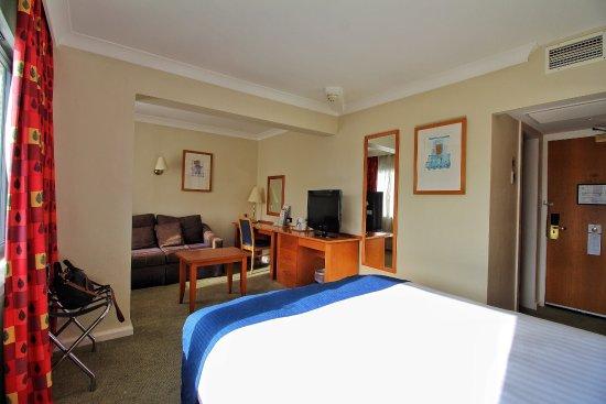Holiday Inn Edinburgh City - West: photo2.jpg