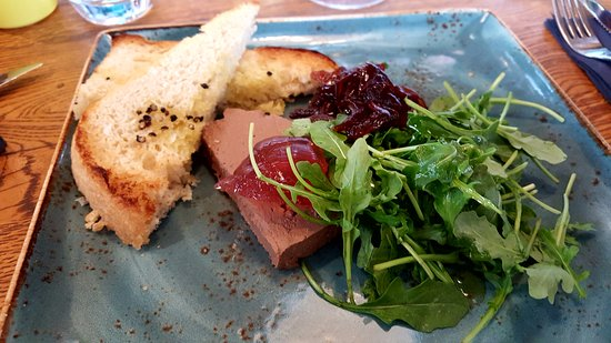 Brandesburton, UK: Chicken liver parfait with pomegranate jelly and onion chutney - lovely starter