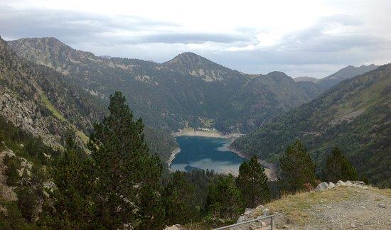 Aragnouet, Francia: Lac d'Oredon desde el lago de Cap de Long (Pirineo francés)