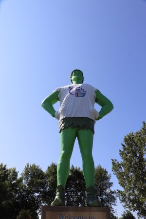 Blue Earth, MN: This guy supports relay for life