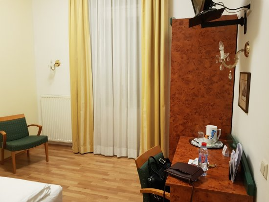 Hotel Domizi: 20170907_225918_large.jpg