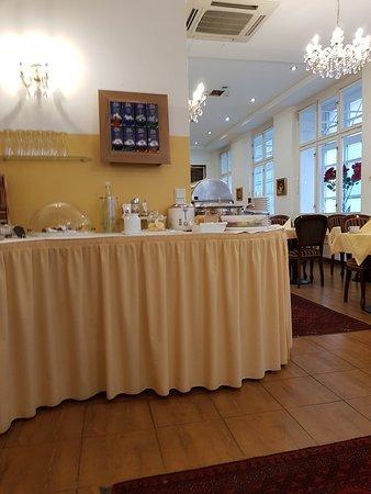 Hotel Domizi: 20170908_071626_large.jpg
