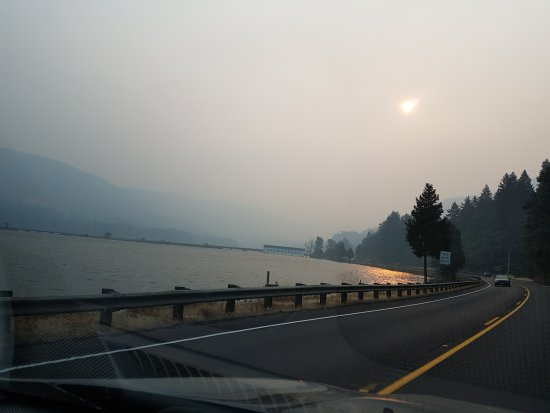 Rim Drive: Smoky sky before reaching Crater Lake