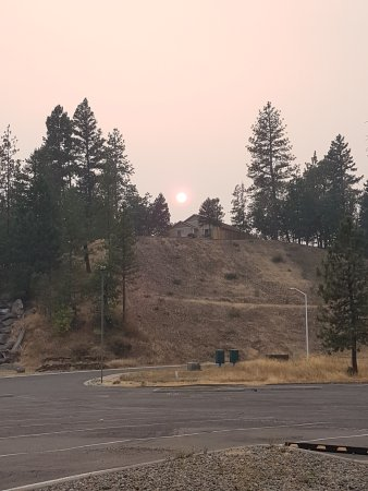 Rim Drive: Smoky sky after leaving Crater Lake