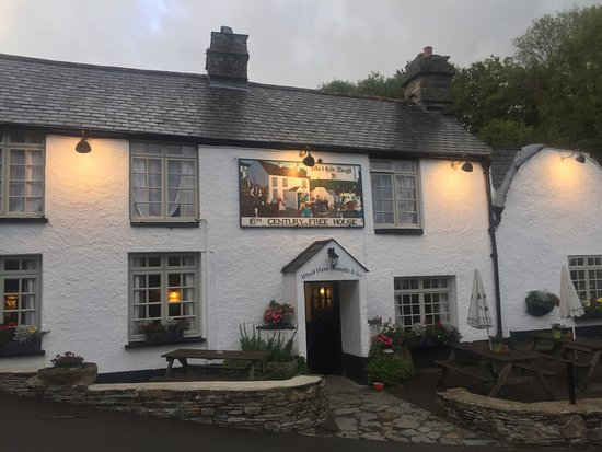 Milton Combe, UK: Beautiful 16th Century Inn with lots of character...