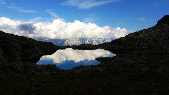 Nuvole riflesse nel lago picture of rifugio cornisello pinzolo