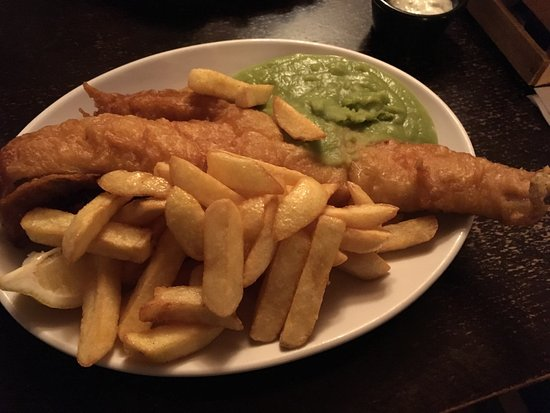 Udimore, UK: Lovely meal as always. Great fish and chips and very tasty omelette. Warm and pleasant atmospher