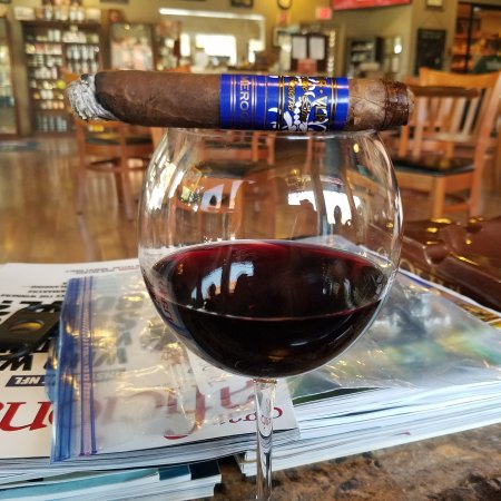 ‪Morgan Hill Wine Shop & Cigar Co.‬