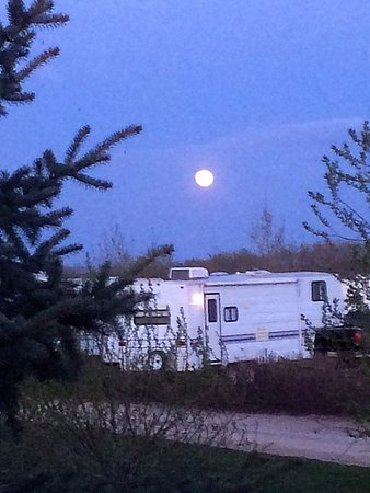 Gull Lake, Canada : RV Park early spring