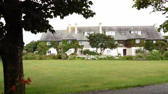 Ренвиль, Ирландия: Grosses Areal gehört zum Hotel