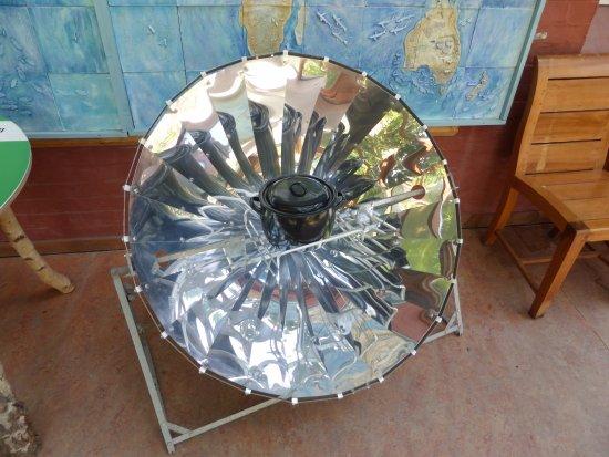 Machynlleth, UK: Solar Cooker