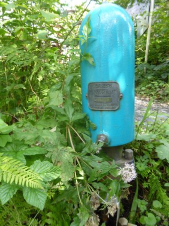 Machynlleth, UK: Hydraulic Ram Pump - pumps water using the flow of a stream - no additional energy needed!