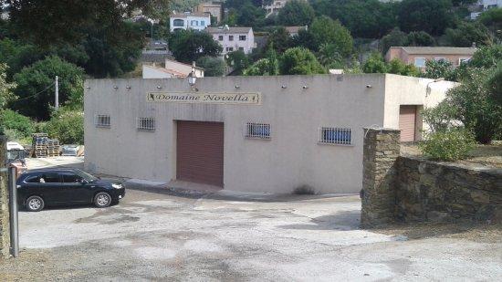 Domaine Novella: La cave