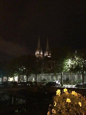 Cathedrale St-Corentin: Cathédrale un soir de septembre