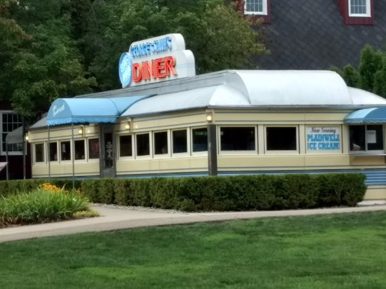 Hickory Corners, MI: This is an exterior shot of the diner.