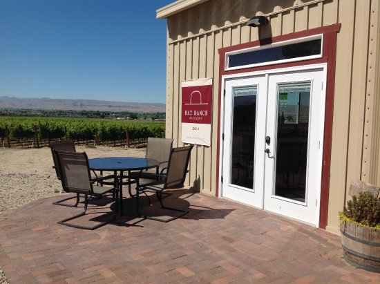 Caldwell, ID: HAT Ranch Winery Tasting Room entrance
