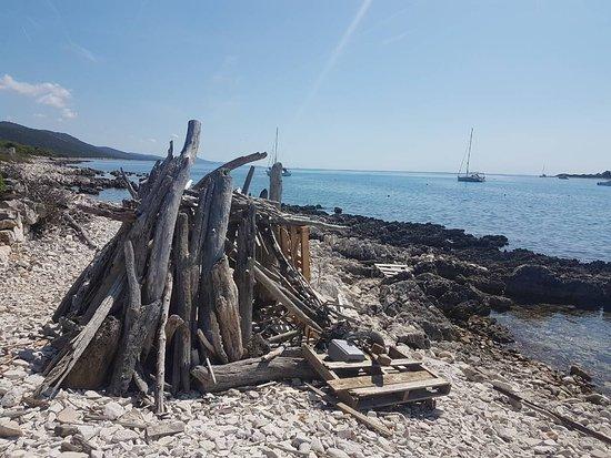Dugi Island, Kroatien: image-0-02-04-fc5e1e78ff554cde3ac58bf656f629333378d4c8f14ffda8a4b960d7fcacbbcb-V_large.jpg