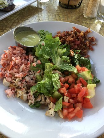 CHAT American Grill: lobster cobb salad