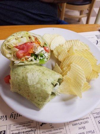 Ellsworth, ME: Spinach hummus wrap with chips