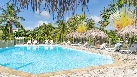 Residence Hoteliere Les Cayalines: Piscine / Pool