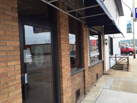 Navigator Restaurant: Front entrance
