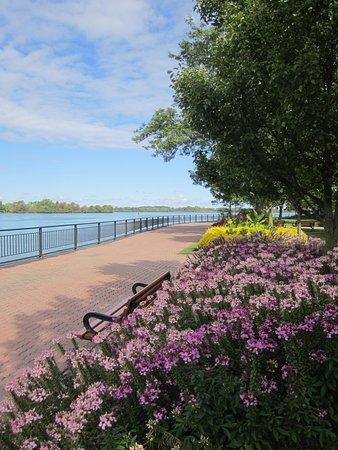Amherstburg Navy Yard National Historic Site: Gorgeous waterfront