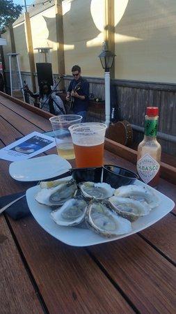Harwich Port, MA: Oysters!