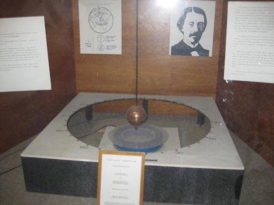 Clayton, Australia: foucault pendulum in mathematics building