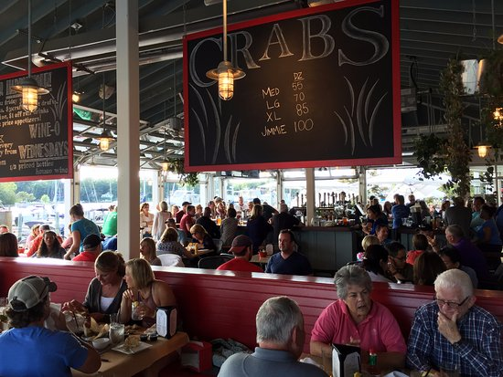 Large bar (note crab prices)