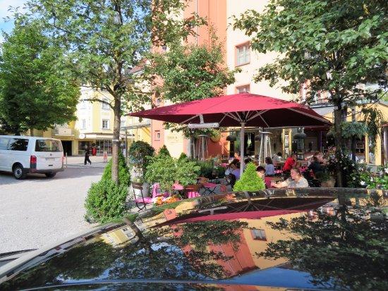 Hotel Sonne: restaurante externo do hotel