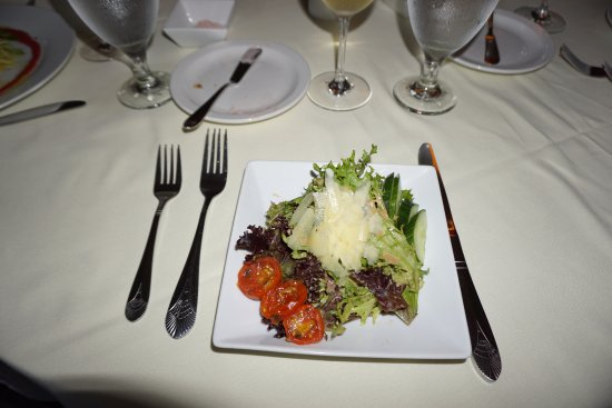 New London, Νιού Χάμσαϊρ: Coach House Artisan's Greens Salad