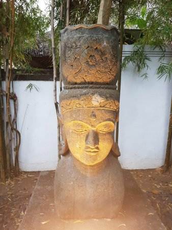 Karma Jimbaran: The grounds around the villas are beuatiful too!