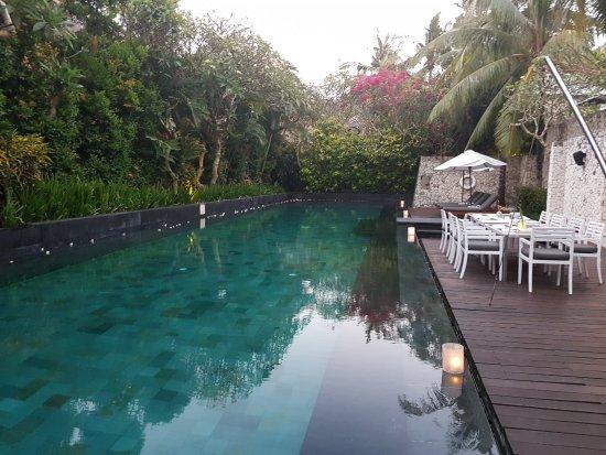 Karma Jimbaran: Pool near restaurant