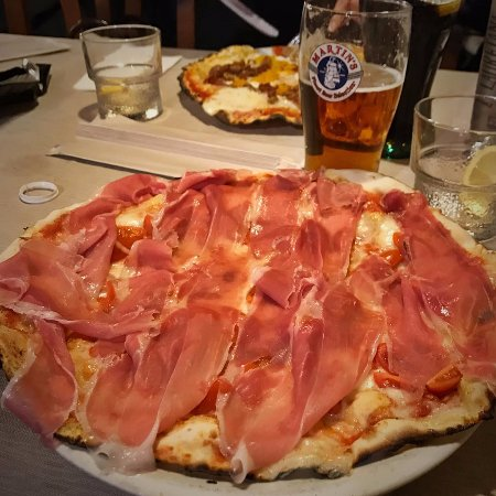 Mason Vicentino, Italia: One of my favorite toppings: black forest speck
