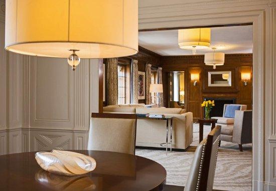 Peoria, IL: Presidential Suite - Dining Area