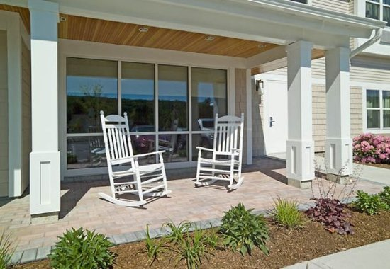 Gilford, NH: Outdoor Porch