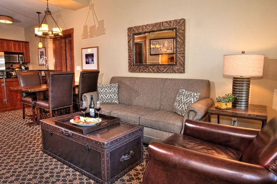 The Village At Squaw Valley: Living Room